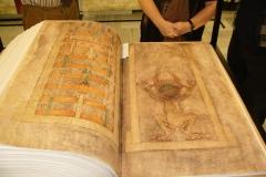 """""""Codex Gigas"""". Fotografija: Michal Maňas."""
