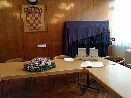 Vijećnica Filozofskog fakulteta pred dodjelu nagrada Izvor: http://www.ffzg.unizg.hr/infoz/zaklada/nagrade.html