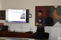 Na radionici trajnog čuvanja digitalne građe Juraj Strnisko predstavio je dobru praksu slovačkog Središnjeg arhiva podataka u Sveučilišnoj knjižnici u Bratislavi.