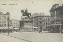 Old postcard of Zagreb. Ban Josip Jelačić square. Print Collection of the National and University Library in Zagreb.