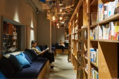 """Lanac hostela """"Book and Bed"""", Japan. ©Book and Bed Tokyo."""
