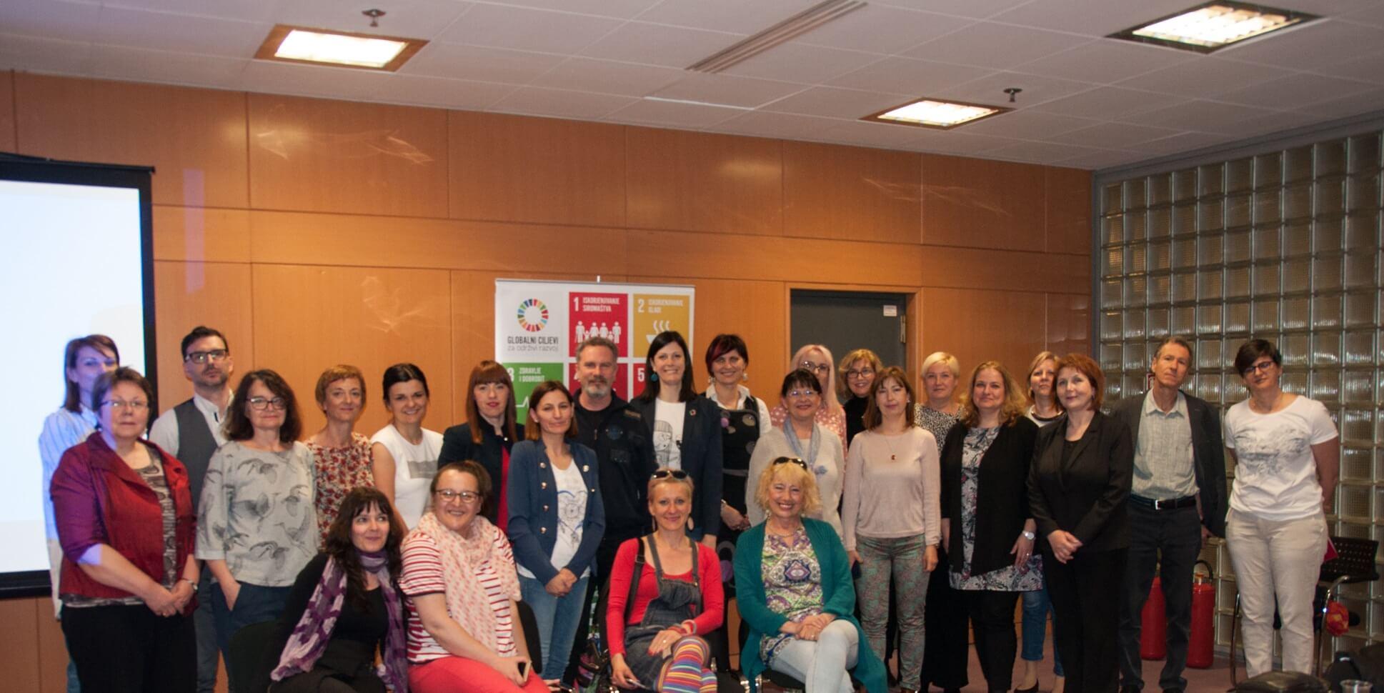Sudionici radionice o ulozi knjižnica u provođenju UN-ove razvojne strategije Agenda 2030. održane u Nacionalnoj i sveučilišnoj knjižnici u Zagrebu 17. i 18. travnja 2018. godine.