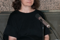 Voditeljica Zbirke rukopisa i starih knjiga NSK dr. sc. Irena Galić Bešker iscrpno je predstavila rukopisnu i tiskanu Krležinu građu predstavljenu na izložbi.