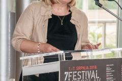 "Dr. sc. Tatijana Petrić, glavna ravnateljica Nacionalne i sveučilišne knjižnice u Zagrebu, na otvorenju izložbe ""Krležini rukopisi""."