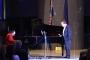 """Pijanist Joe Meixner i pjevač Miro Ungar na humanitarnome koncertu """"Srcem i glazbom za djecu""""u Nacionalnoj i sveučilišnoj knjižnici u Zagrebu."""