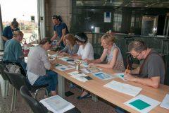 """Radionica """"Tehnike otiskivanja ilustracija"""" održana u sklopu izložbe """"Skriveni svijet starih knjiga""""."""