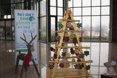 Reciklirani bor u sklopu donacijske izložbe učenika Srednje škole – Centar za odgoj i obrazovanje.