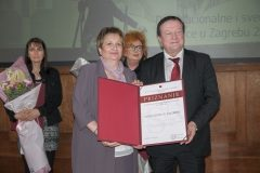 NSK Director General Dr Ivanka Stričević and Rector of the University of Zagreb Professor Damir Boras, who on behalf of the University received the 2019 National and University Library in Zagreb Award for legal entities, at the celebration of the National and University Library in Zagreb Day 2020. Croatian State Archives, 21 February 2020.