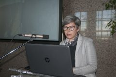 """Sofija Klarin Zadravec (National and University Library in Zagreb) at the Ninth Festival of Croatian Digitisation Projects, presenting the latest mobile application of the National and University Library in Zagreb """"Pozdrav s Krke""""."""