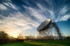 Teleskop Lovell u Opservatoriju Jodrell Bank, Ujedinjeno Kraljevstvo. Autor i © Anthony Holloway. Trajni URL: whc.unesco.org/en/documents/167064.