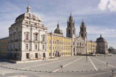 Istočna fasada kraljevskoga posjeda Mafra, Portugal. Autor JPR. © DGPC. Trajni URL: whc.unesco.org/en/documents/166481.