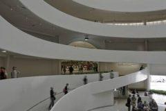 Muzej Solomona R. Guggenheima, pogled na rotundu s fontanom u prednjem planu, Sjedinjene Američke Države. Autor David Heald. © Solomon R. Guggenheim Museum.  Trajni URL: whc.unesco.org/en/documents/140866.