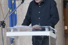 """Artist Goran Matović at the opening of the exhibition commemorating Dušan Karpatský (1935-2017) (""""Dušan Karpatský (1935. – 2017.), znan i neznan"""", """"Dušan Karpatský známý a neznámý"""")."""