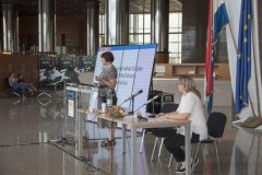 Keynote speaker Prof Tatjana Aparac-Jelušić (Osijek, Zagreb and Zadar universities, Croatia) and Chair of the Local Organising Committee Dr Dijana Machala at IFLA CPDWL preconference announcing IFLA WLIC 2019. National and University Library in Zagreb, 21 August 2019.