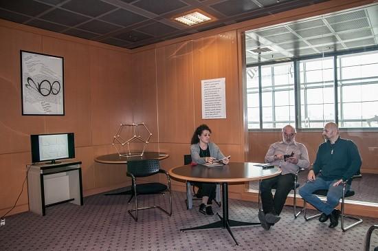 Na 15. obljetnici suradnje NSK i glazbenoga inovatora Antuna Tonija Blažinovića sudjelovali su dr. sc. Tatjana Mihalić, voditeljica Zbirke muzikalija i audiomaterijala, akademik Nikša Gligo te autor Antun Toni Blažinović.