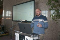 Tomislav Adamović (Veleučilište u Bjelovaru) na Devetom festivalu hrvatskih digitalizacijskih projekata u Nacionalnoj i sveučilišnoj knjižnici u Zagrebu.