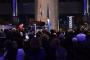 """Pijanist Joe Meixner i pjevač Miro Ungar na humanitarnome koncertu """"Srcem i glazbom za djecu"""" u Nacionalnoj i sveučilišnoj knjižnici u Zagrebu."""