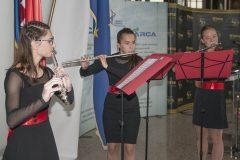 """Glazbeni sastav """"Trio flauta"""" u klasi prof. Ksenije Marković na svečanome otvorenju 17. međunarodne izložbe inovacija ARCA 2019."""