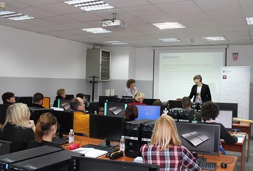 """Voditeljica projekta """"e-Izvori"""" dr. sc. Aleksandra Pikić znanstveno-nastavnomu osoblju Zdravstvenoga veleučilišta u Zagrebu predstavila je Projekt."""