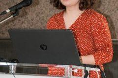 """Djelatnica NSK Ivana Čadovska održala je izlaganje o hrvatskoj znanstvenoj produkciji na tribini """"Analiza ostvarenih ciljeva"""" u sklopu projekta """"Povećanje pristupa elektroničkim izvorima znanstvenih i stručnih informacija – e-Izvori""""."""