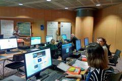 """Knjižnice kao centri razvoja digitalnih kompetencija za djecu i odrasle – održane radionice """"Napredni micro:bit i uvod u BOSON"""" suradnjom IRIM-a i CSSU-a."""