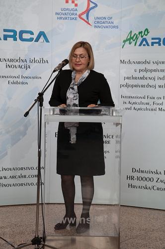 Glavna ravnateljica NSK dr. sc. Tatijana Petrić na svečanome otvorenju 16. međunarodne izložbe inovacija ARCA 2018 i 10. međunarodnoga sajma inovacija u poljoprivredi AGRO ARCA.