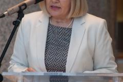 """Glavna ravnateljica NSK dr. sc. Tatijana Petrić na otvorenju izložbe """"Blago koje traje"""" i predstavljanju knjige """"Monografija Gazi Husrev-begove biblioteke""""."""
