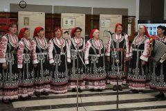 """Ženski vokalni trio """"Zornica"""" na otvaranju izložbe """"Book Art in Croatia"""" u Sofiji."""