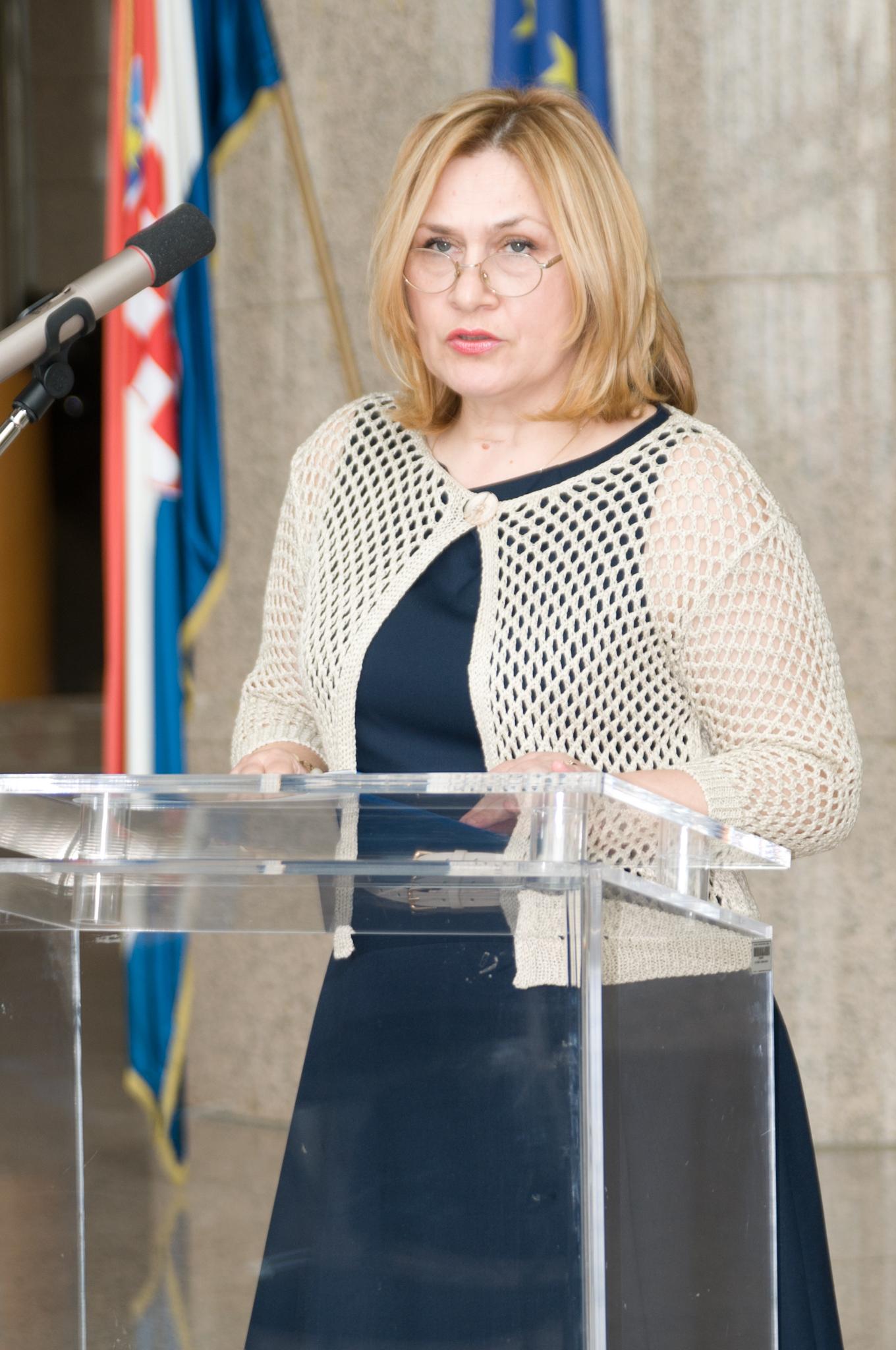 Tatijana Petrić, glavna ravnateljica Nacionalne i sveučilišne knjižnice u Zagrebu, na otvorenju izložbe NSK u povodu 200. obljetnice rođenja Ivana Kukuljevića Sakcinskoga.