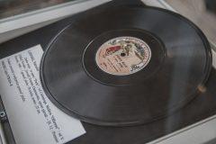 Izložena građa iz Zbirke muzikalija i audiomaterijala Nacionalne i sveučilišne knjižnice u Zagrebu na otvaranju izložbe u povodu 200. obljetnice rođenja Vatroslava Lisinskoga.