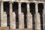 """Hram u Garni na području današnje Armenije. Fotografije preuzete s panoa izložbe """"Antička baština na novčanicama mediteranskih zemalja""""."""