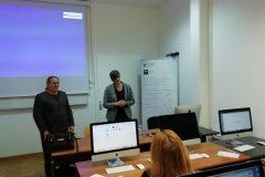"""Voditeljica projekta e-Izvori dr. sc. Aleksandra Pikić i koordinatorica nabave e-izvora mr. sc. Alisa Martek predstavile su projekt """"e-Izvori"""" zadarskim znanstvenicima, studentima i knjižničarima."""