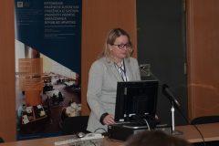 Savjetnica za knjižnični informacijski sustav NSK dr. sc. Dijana Machala na 3. otvorenoj konferenciji korisnika Integriranog knjižničnog sustava Nacionalne i sveučilišne knjižnice u Zagrebu te knjižnica iz sustava znanosti i visokog obrazovanja Republike Hrvatske.