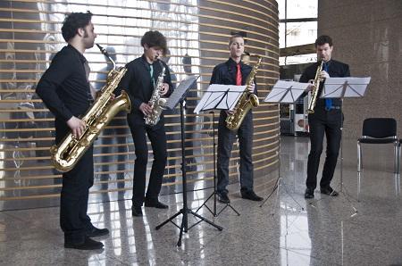 Saksofoni na Podnevnoj glazbenoj stanci.