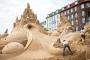 Pješčana skulptura nadahnuta Alisom u zemlji čudesa nastala je 2013. u Kopenhagenu na Međunarodnome festivalu skulptura u pijesku. Izvor: http://tinyurl.com/qd8b8ye.