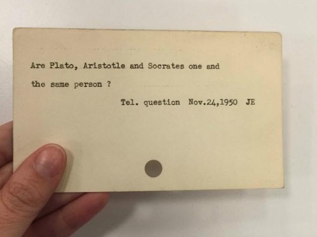 """""""Jesu li Platon, Aristotel i Sokrat ista osoba?"""" Izvor: http://tinyurl.com/omuprfq."""