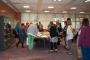 Sudionici konferencije BETH tijekom posjeta Knjižnici razgledali su Grafičku zbirku.
