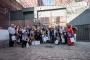 Grupa knjižničara u organiziranom posjetu zatvorskoj knjižnici u Wroclawu tijekom trajanja IFLA-ina kongresa.