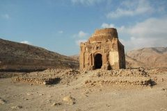 Mauzolej Bibija Maryama u Drevnom gradu Qalhat, Oman. Autor QDP. © MHC. Trajni URL: https://whc.unesco.org/en/documents/165951