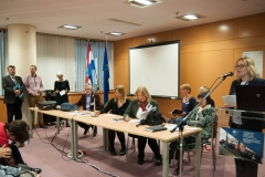 Zaključci skupa, izvještaji moderatora (s lijeve na desno): Lobel Machala, Marko Orešković, Tanja Buzina, Tomislav Murati, Tamara Krajna, Vesna Golubović, Marijana Glavica, Helena Markulin, Tinka Katić, Dijana Machala.