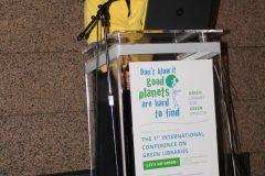 "Melinda Grubišić Reiter (Gradska knjižnica ""Juraj Šižgorić"") na 1. međunarodnoj konferenciji o zelenim knjižnicama ""Let's Go Green!"". Nacionalna i sveučilišna knjižnica u Zagrebu, 8. – 10. studenog 2018."