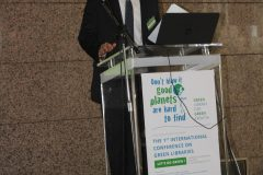 """Mohammad M. AlHamad (Abu Dhabi Polytechnic, Ujedinjeni Arapski Emirati) na 1. međunarodnoj konferenciji o zelenim knjižnicama """"Let's Go Green!"""". Nacionalna i sveučilišna knjižnica u Zagrebu, 8. – 10. studenog 2018."""