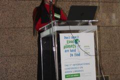 """Elvira A. Zingapan (Prince Mohammad Bin Fahd University, Saudijska Arabija) na 1. međunarodnoj konferenciji o zelenim knjižnicama """"Let's Go Green!"""". Nacionalna i sveučilišna knjižnica u Zagrebu, 8. – 10. studenog 2018."""