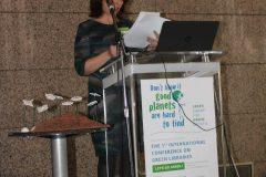 "Krasimira Nyagolova (Područna knjižnica Partenij Pavlovich, Bugarska) na 1. međunarodnoj konferenciji o zelenim knjižnicama ""Let's Go Green!"". Nacionalna i sveučilišna knjižnica u Zagrebu, 8. – 10. studenog 2018."