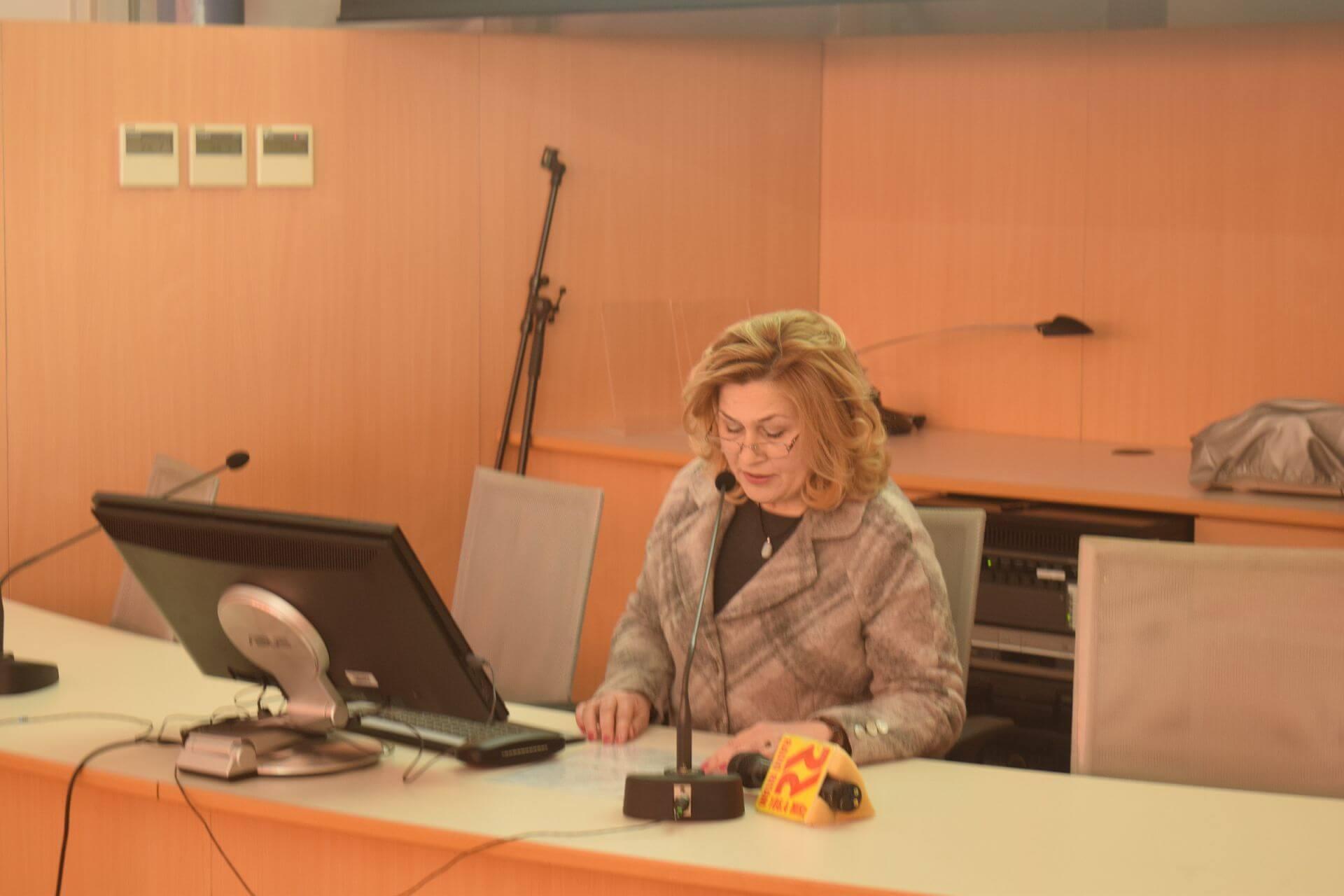 "Glavna ravnateljica NSK dr. sc. Tatijana Petrić na svečanoj proslavi 32. rođendana Nacionalnoga parka Krka predstavila virtualnu izložbu NSK ""Prošlosti i sadašnjost Krke"". Izvor: http://www.np-krka.hr/."