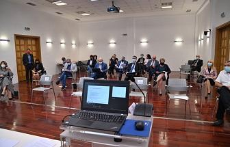 Članovi Vijeća Inicijative na sjednici Vijeća Inicijative za Hrvatski oblak za otvorenu znanost.
